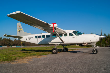 Cessna 208B Grand Caravan - D-FUNY operated by Private operator