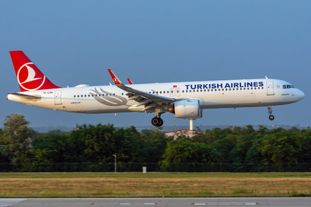 Airbus A321-271NX - TC-LSD operated by Turkish Airlines