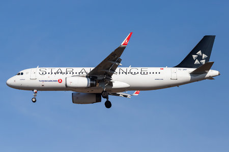 Airbus A320-232 - TC-JPP operated by Turkish Airlines