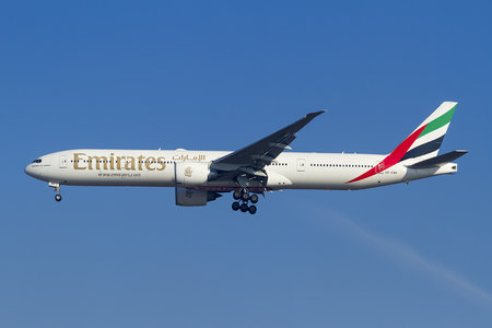 Boeing 777-300ER - A6-ENK operated by Emirates