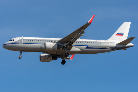 Airbus A320-214 - VP-BNT operated by Aeroflot