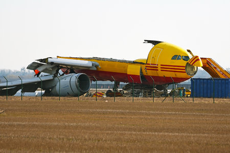 Airbus A300B4-203F - EI-EAC operated by DHL Air