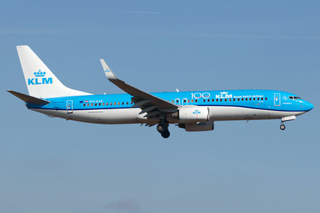 Boeing 737-800 - PH-HSE operated by KLM Royal Dutch Airlines