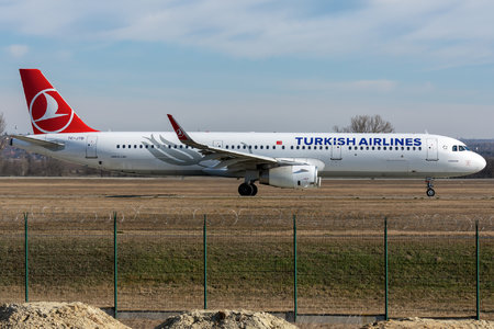 Airbus A321-231 - TC-JTD operated by Turkish Airlines