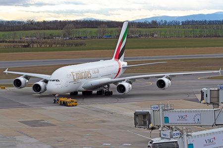 Airbus A380-861 - A6-EUF operated by Emirates