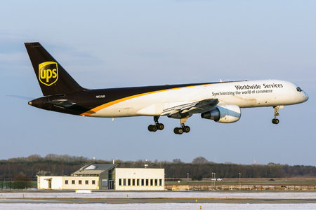 Boeing 757-200PF - N431UP operated by United Parcel Service (UPS)