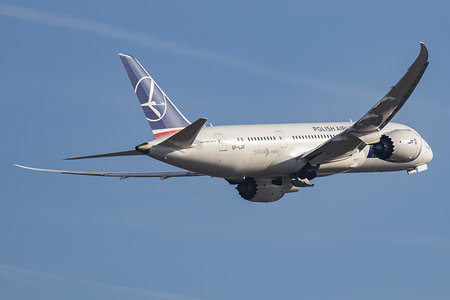 Boeing 787-8 Dreamliner - SP-LRF operated by LOT Polish Airlines