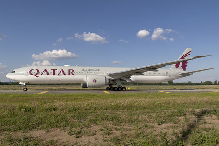 Boeing 777-300ER - A7-BEV operated by Qatar Airways