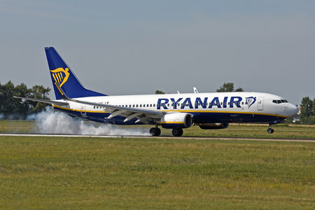 Boeing 737-800 - EI-DWF operated by Ryanair