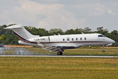 Bombardier Challenger 350 (BD-100-1A10) - CS-CHD operated by NetJets Europe