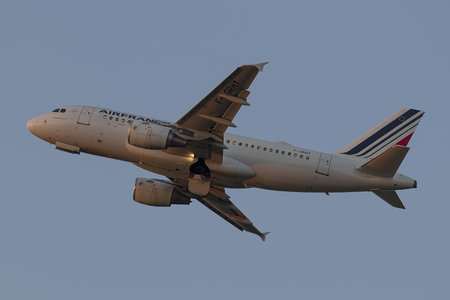 Airbus A319-111 - F-GRHY operated by Air France