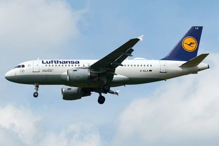 Airbus A319-114 - D-AILA operated by Lufthansa