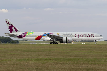 Boeing 777-300ER - A7-BAX operated by Qatar Airways