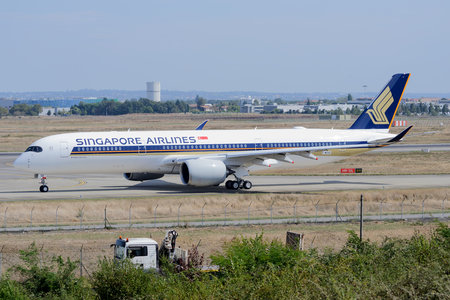 Airbus A350-941 - F-WZHE operated by Singapore Airlines