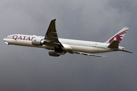 Boeing 777-300ER - A7-BEM operated by Qatar Airways