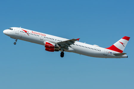 Airbus A321-111 - OE-LBB operated by Austrian Airlines