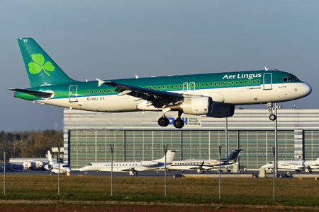 Airbus A320-214 - EI-DVJ operated by Aer Lingus