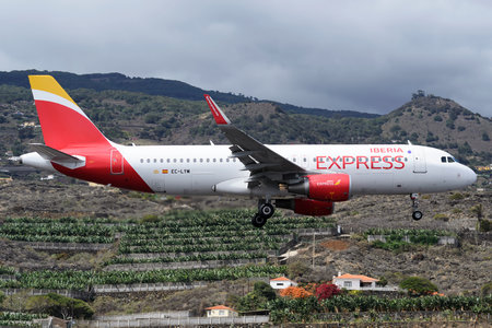 Airbus A320-216 - EC-LYM operated by Iberia Express