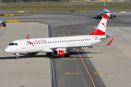 Embraer E195LR (ERJ-190-200LR) - OE-LWQ operated by Austrian Airlines