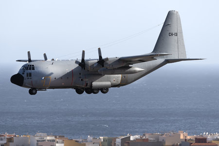 Lockheed C-130H-30 Hercules - CH-13 operated by Luchtcomponent (Belgian Air Force)