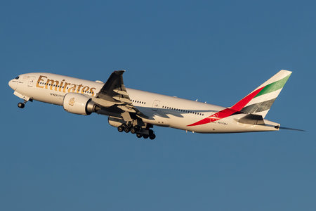 Boeing 777-200LR - A6-EWJ operated by Emirates