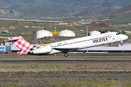 Boeing 717-200 - EC-MFJ operated by Volotea