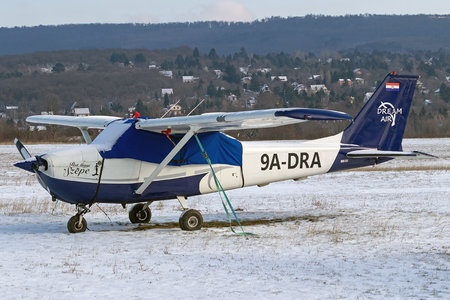 Cessna 172K Skyhawk - 9A-DRA operated by Dream Air Kft.