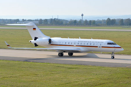 Bombardier Global 5000 (BD-700-1A11) - 14+01 operated by Luftwaffe (German Air Force)