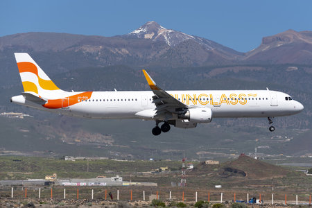 Airbus A321-211 - OY-TCG operated by Sunclass Airlines