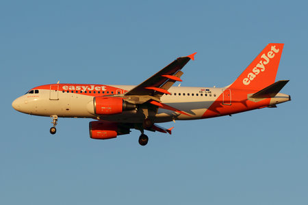 Airbus A319-111 - OE-LQK operated by easyJet Europe