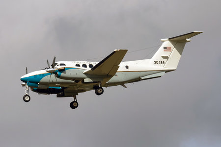 Beechcraft C-12D Huron - 83-0499 operated by US Air Force (USAF)