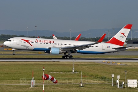 Boeing 767-300ER - OE-LAT operated by Austrian Airlines
