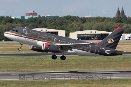 Airbus A319-132 - JY-AYL operated by Royal Jordanian