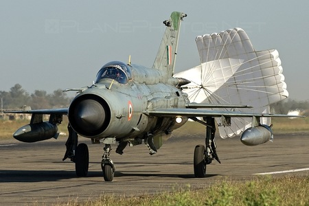 Hindustan MiG-21 Bison - CU2212 operated by Bharatiya Vāyu Senā (Indian Air Force)