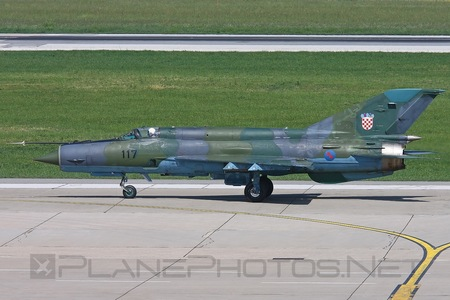 Mikoyan-Gurevich MiG-21bis-D - 117 operated by Hrvatsko ratno zrakoplovstvo i protuzračna obrana (Croatian Air Force)