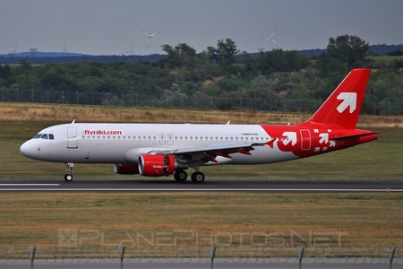 Airbus A320-214 - OE-LEL operated by Niki