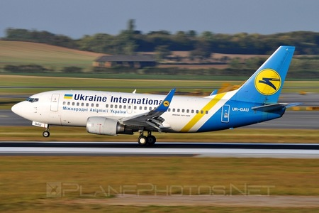 Boeing 737-500 - UR-GAU operated by Ukraine International Airlines