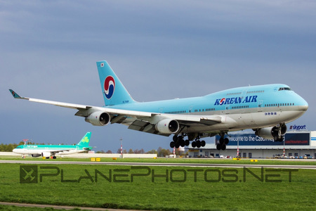 Boeing 747-400 - HL7498 operated by Korean Air