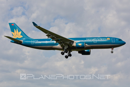 Airbus A330-223 - VN-A378 operated by Vietnam Airlines