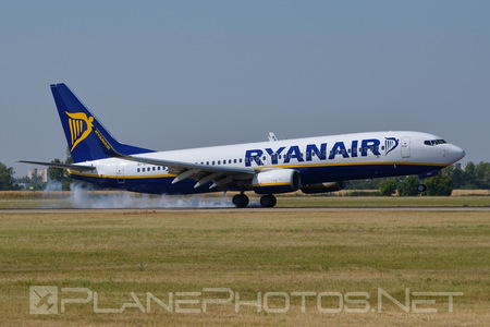 Boeing 737-800 - EI-DHY operated by Ryanair