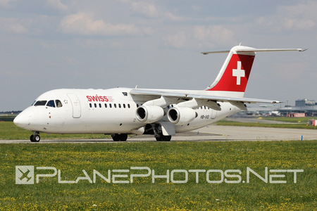 British Aerospace Avro RJ100 - HB-IXO operated by Swiss International Air Lines