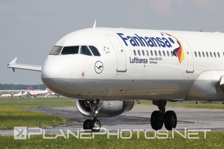 Airbus A321-231 - D-AIDG operated by Lufthansa