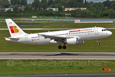 Airbus A320-216 - EC-LYE operated by Iberia Express