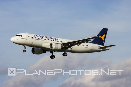 Airbus A320-216 - EI-DSZ operated by Air One
