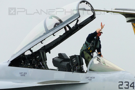 Boeing F/A-18F Super Hornet - 166677 operated by US Navy (USN)