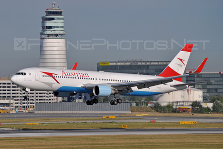 Boeing 767-300ER - OE-LAE operated by Austrian Airlines