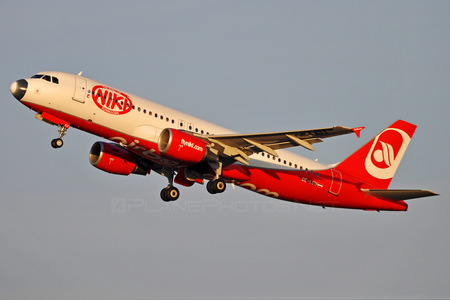 Airbus A320-214 - OE-LEU operated by Niki