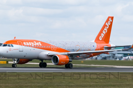 Airbus A320-214 - G-EZOX operated by easyJet