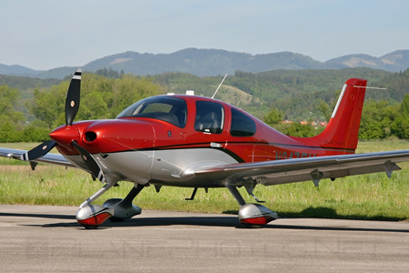 Cirrus SR22T GTS - N247EU operated by Cirrus Design Corporation