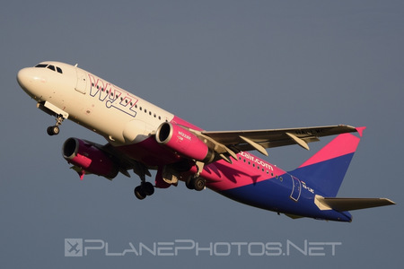 Airbus A320-232 - HA-LWC operated by Wizz Air